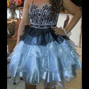 Dresses & Skirts - Homecoming/ Prom dress!!