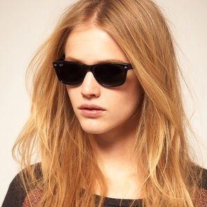 Ray-Ban New Wayfarer Polarized Sun glasses