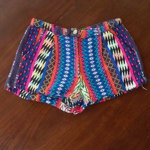 Angie tribal knitted shorts size S