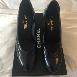 Chanel Veau Pumps
