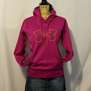 Coldgear under armour pullover.