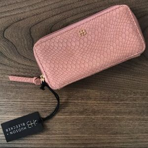 Handbags - Hudson + Bleecker Smartphone Wallet in Dusty Rose