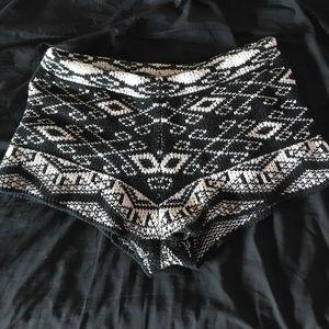 Uo Ecote tribal soft shorts