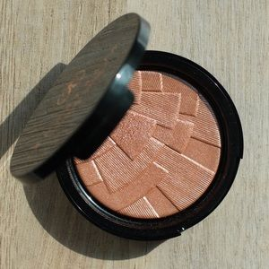 Anastasia peach nectar highlighter