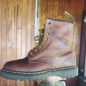 Vintage England Dr. Martens Brown 1460 8 eye Boots