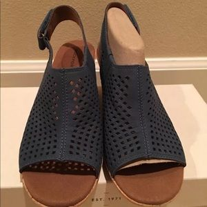 NEW ROCKPORT BRIAH PERF SLING Sz5.5 M TEAL SARCELL