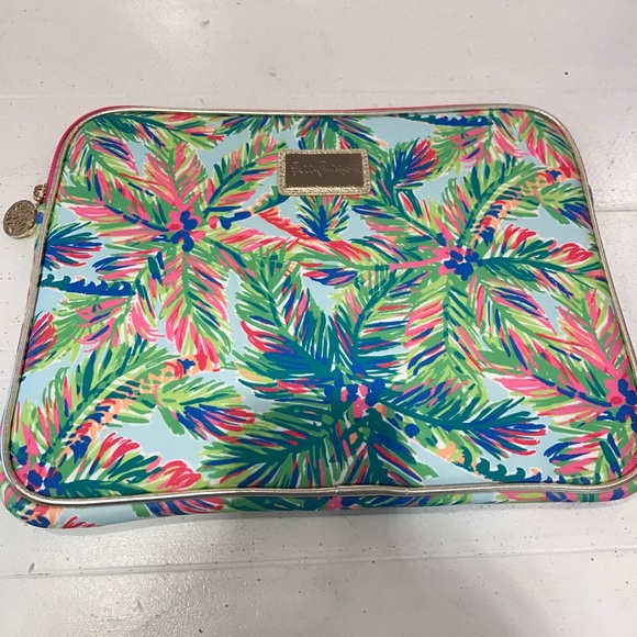 hot sale online 369ad ae1ef NWT Lilly Pulitzer computer case Island Time NWT
