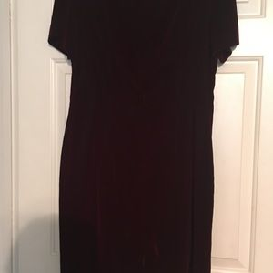 Crushed velvet burgandy mid length dress