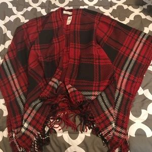 NWT Abercrombie & Fitch red plaid poncho