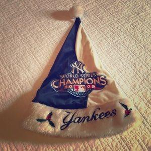 Yankees Santa hat