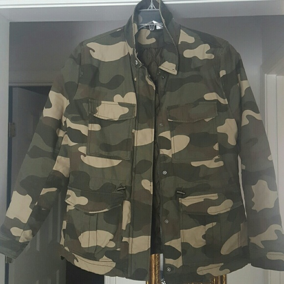 73cb7b6bfb061 H&M Jackets & Coats | Nwot Divided Armycamo Jacket With Removable ...