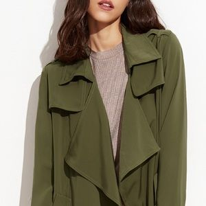 Army Green Trench Coat with Pockets Size Small 🍁