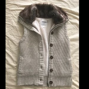 Knit Vest with Fur Collar