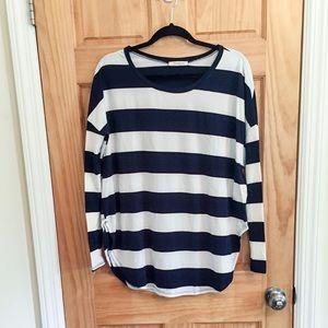 NWOT Navy & white strip long sleeve tee sz S