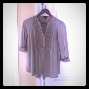 Cute embroidered 1/2 sleeve button down