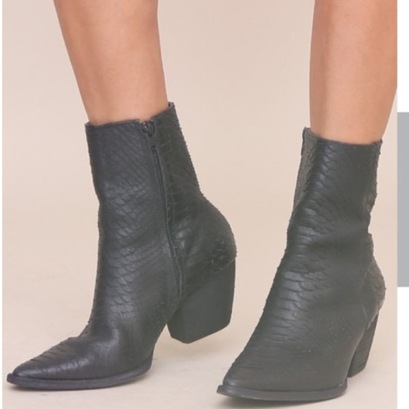 a6a99b09888e Matisse Shoes - Matisse Caty Black Leather mid-calf boots
