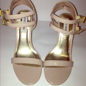 NWOT TAN/NUDE heels