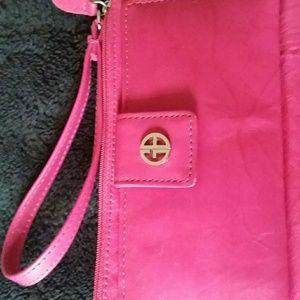 """Giani Bernini genuineleather pink 7""""×4"""" wristlet"""