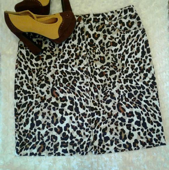26435fd8e5a Jones New York Cheetah Jean Skirt