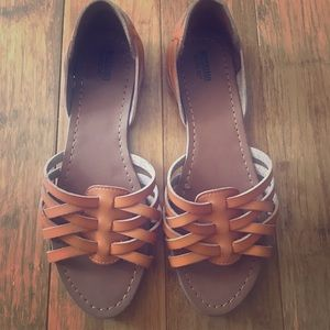 NWOT Cognac Strappy Flat Huarache Sandals