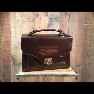 Very vintage Sandy Queen leather bag collactable