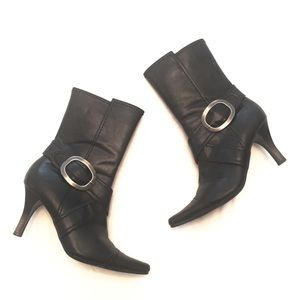 ❣BOGO 1/2 off❣ Chinese Laundry leather booties 7
