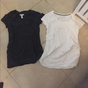 Set of two maternity t shirts