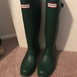 Never worn Dark Green Hunter Boots size 10
