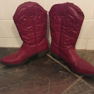 Shoes - Cowgirl boots. Comfy. Size 7 1/2.