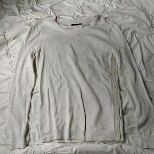 Banana Republic cream/white pull over sweater