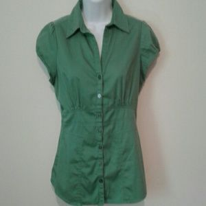Banana Republic stretch fit button blouse size 6