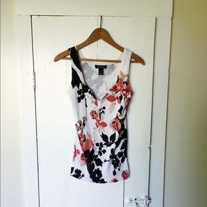 White House| Black Market Sleeves Knit Floral Top