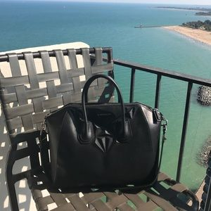 Givenchy Antigona 3D geometric figure medium bag