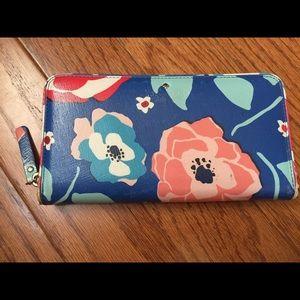 Super cute Kate Spade floral wallet/clutch :)