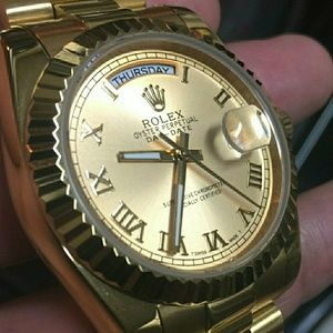 Yellow gold day date