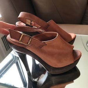 Steve Madden Faux Leather Platform Heels Size 8.5