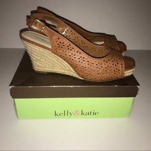 Kelly & Katie Shoes - Kelly & Katie Open Toe Tan Wedge Sandals NEW
