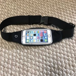 Accessories - *great gift** New cell phone fanny pack