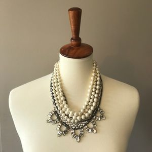 Authentic Stella & Dot Starlet Pearl Necklace