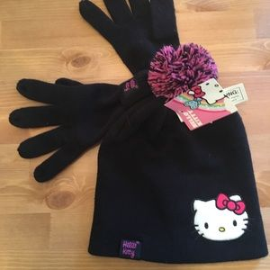 Hello Kitty hat and gloves set