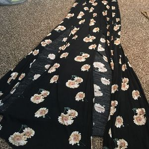 Long maxi skirt with double slit front