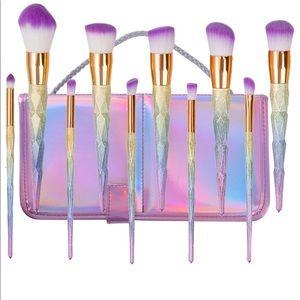 Rainbow ombré unicorn makeup set brushes
