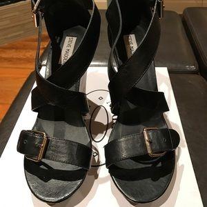 Steve Madden Smyrna leather sandals size 9, EUC