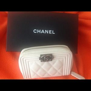 NWT Authentic Ivory Chanel Boy Wallet Small
