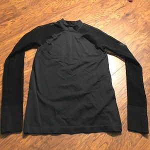 Black long sleeve workout shirt