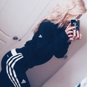 🖤 Adidas Pullover 1/2 zip sweater