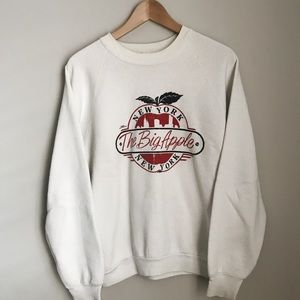 80's NYC Sweatshirt that includes the twin towers