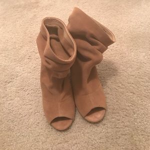 Super cute suede camel open toe slouch bootie!