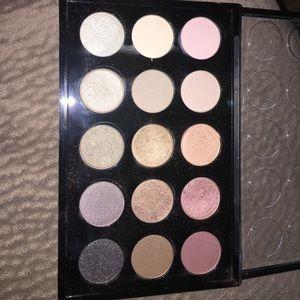Makeup - Mac eye shadow pallet