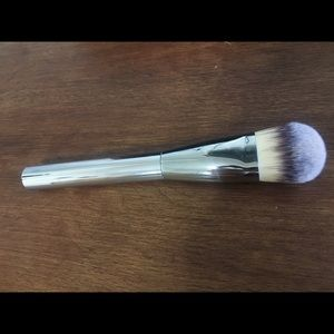 IT Cosmetics Heavenly Luxe Paddle Foundation Brush